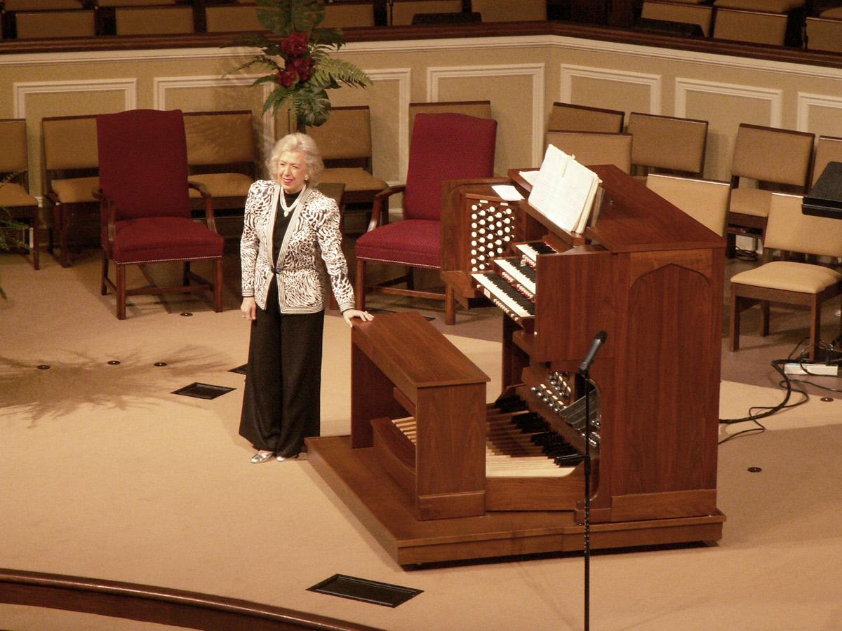 Diane Bish at FBC, Fairhope, Alabama with Allen Q325